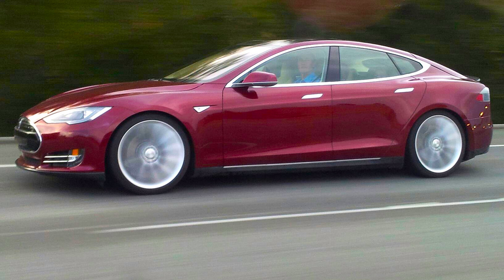 Tesla owners file class action lawsuit