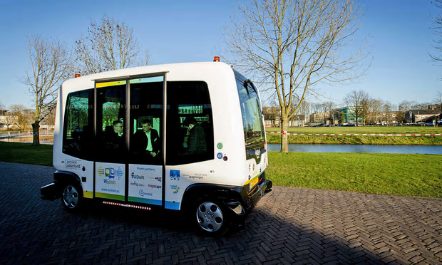 "Driverless ""Easymile EZ-10"" electric bus to be tri"