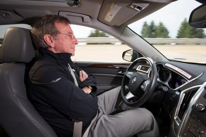 GM delays launch of Super Cruise driver assist